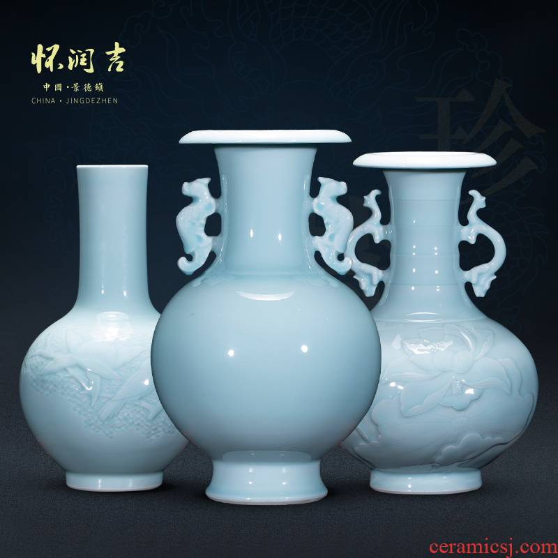 Jingdezhen vase manual its shadow blue bottle of modern Chinese style household furnishing articles furnishing articles rich ancient frame TV ark
