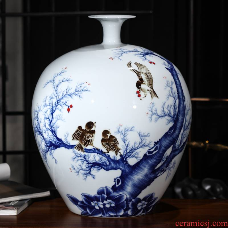 The Master of jingdezhen ceramics hand - made large blue and white porcelain vase the vibrant Chinese sitting room porch place