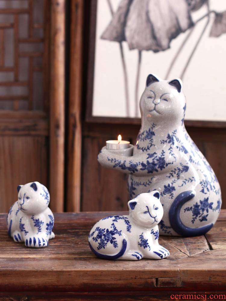 The Cat furnishing articles home decorating the living room in plutus creative ceramic candelabra plain blue and white porcelain clear soup WoGuo ice crack