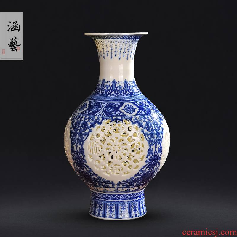Jingdezhen ceramics porcelain vase hollow out the living room of modern Chinese arts and crafts porcelain home decoration furnishing articles