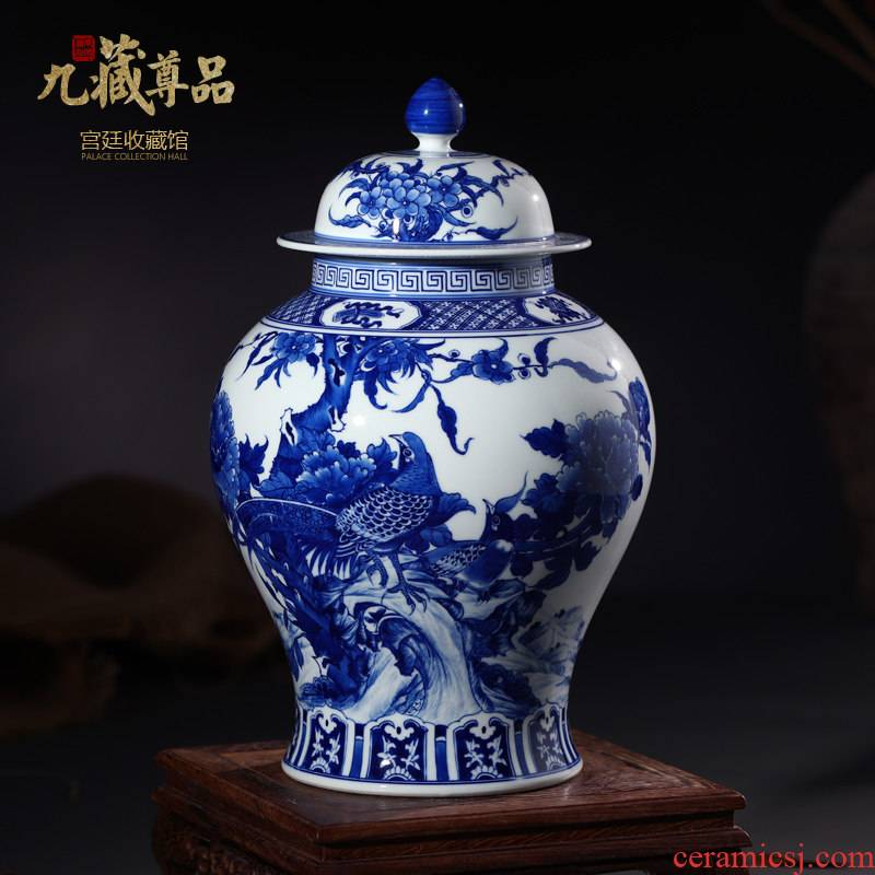 Jingdezhen ceramic vases, antique hand - made of blue and white porcelain painting of flowers and the general pot of tea pot home decoration furnishing articles