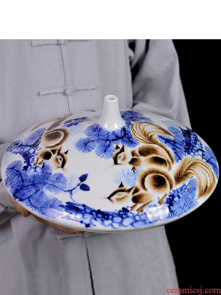 Famous master of jingdezhen ceramics hand - made gold rat blue and white porcelain vase prosperous wealth sitting room adornment handicraft furnishing articles