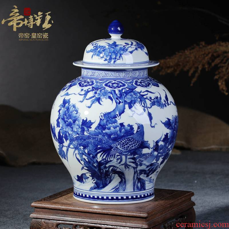 Jingdezhen ceramics vase furnishing articles cover antique hand - made of blue and white porcelain tea pot to decorate the sitting room household decoration