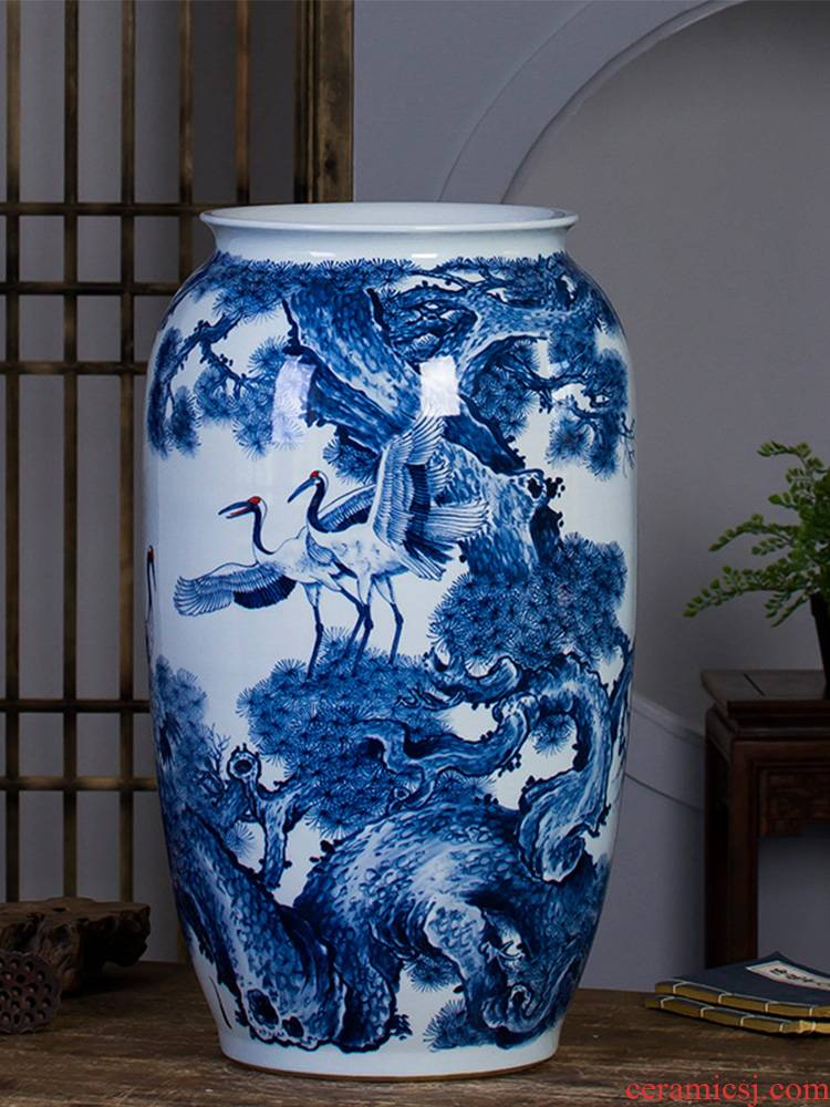 Jingdezhen ceramics master hand - made ground of blue and white porcelain vase villa living room decoration furnishing articles scroll cylinder size