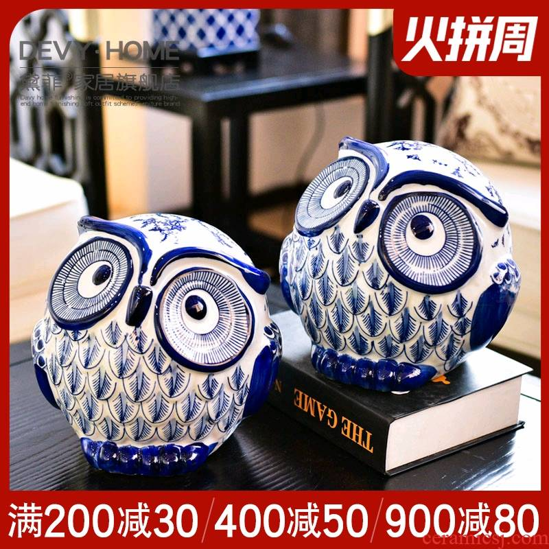 New Chinese style classical creative furnishing articles owl sitting room of TV ark, wine porch of blue and white porcelain household soft adornment