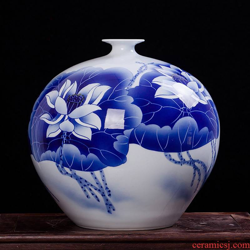 Jingdezhen ceramics famous jade pool Wu Wenhan hand - made of blue and white porcelain vase classical decoration collection certificate