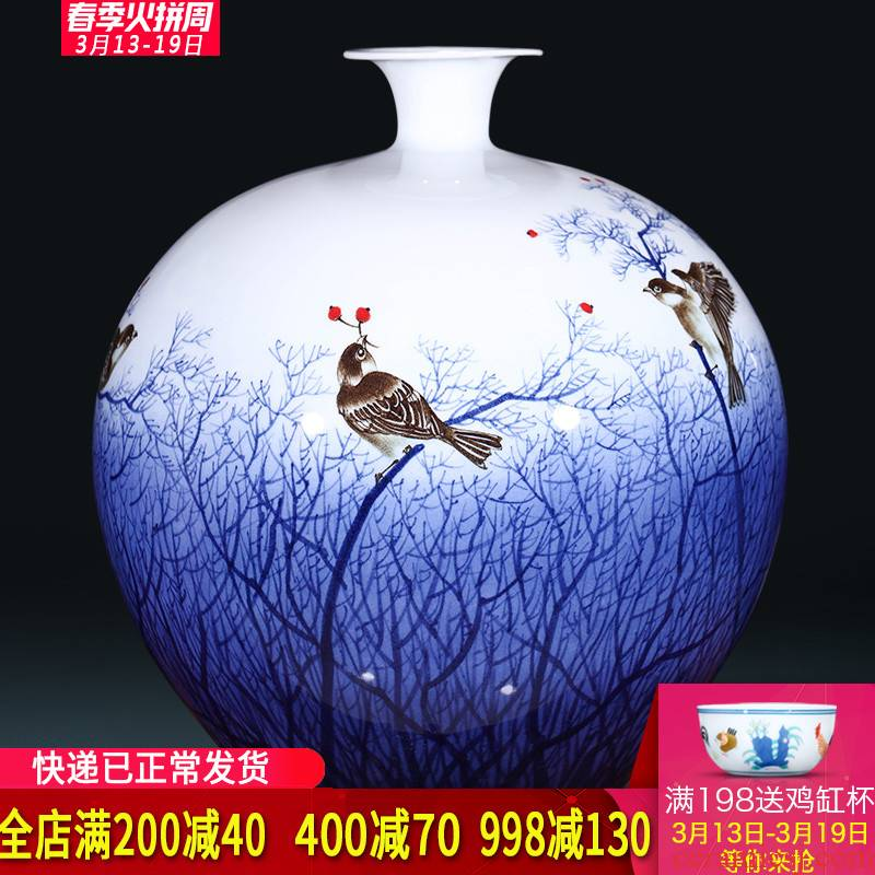 The Master of jingdezhen ceramics hand - made furnishing articles large new Chinese blue and white porcelain vase sitting room adornment is placed