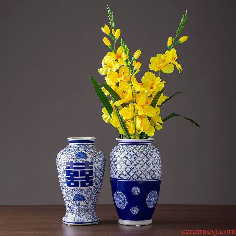 Jingdezhen ceramic furnishing articles home sitting room archaize handicraft decoration Chinese flower arranging decoration of blue and white porcelain vase