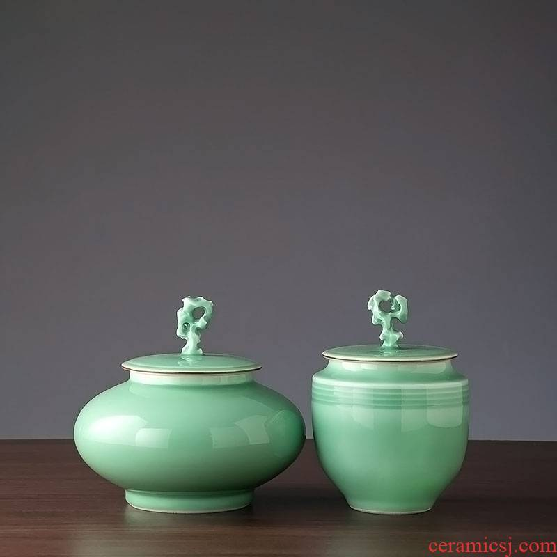 Jingdezhen ceramic furnishing articles with cover of I and contracted sitting room adornment storage jar European household moistureproof tea cake tin