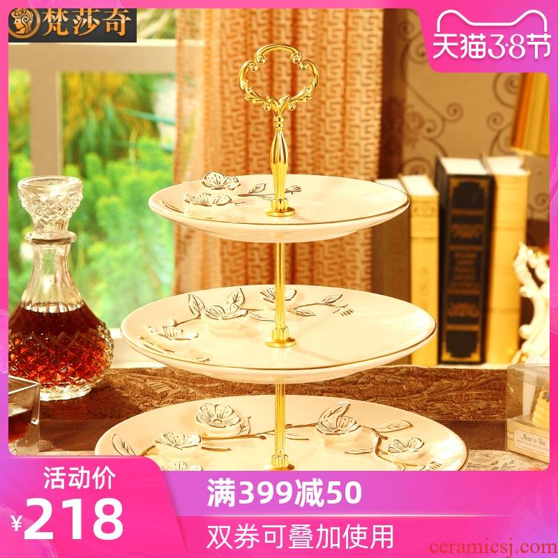 Vatican Sally 's key-2 luxury European - style compote home sitting room in the afternoon tea snack plate three layer ceramic candy dish a wedding gift