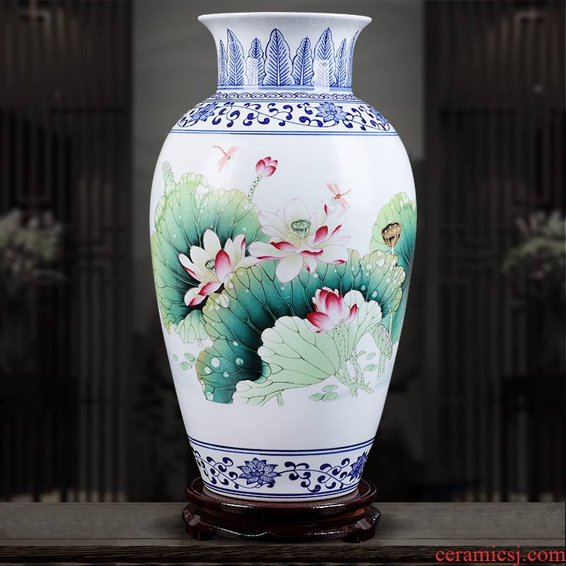Jingdezhen ceramics hand - made vases, pastel blue and white porcelain home sitting room adornment is placed crafts flower arrangement