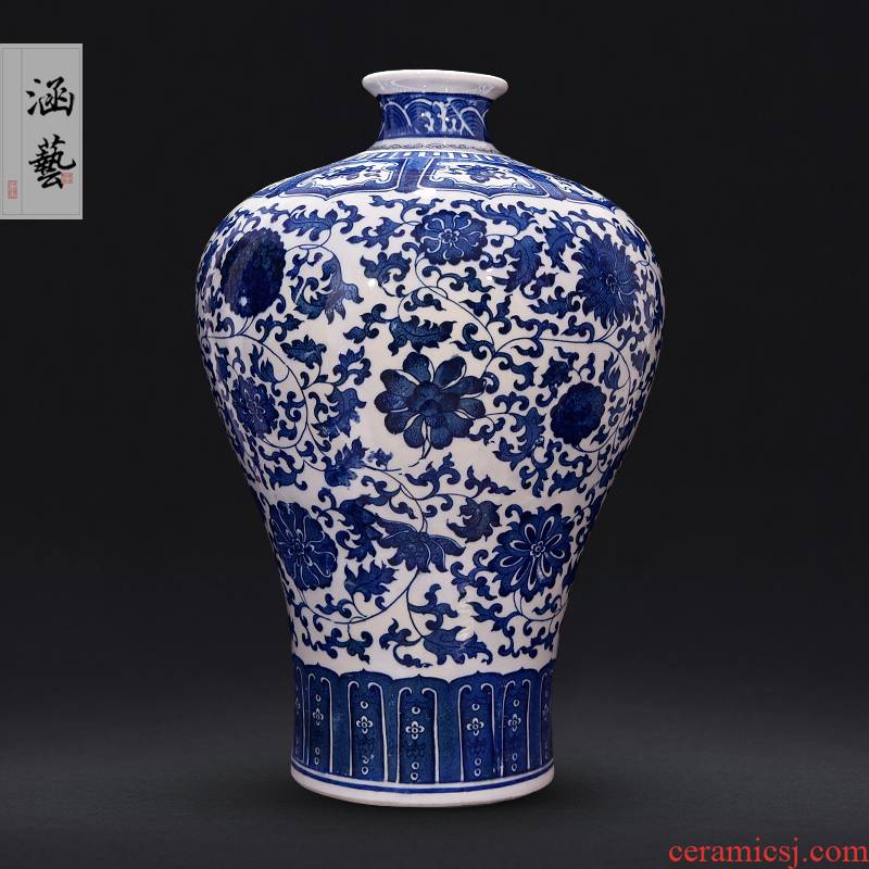 The Qing qianlong vase of blue and white porcelain of jingdezhen ceramics sitting room of Chinese style household adornment handicraft furnishing articles arranging flowers