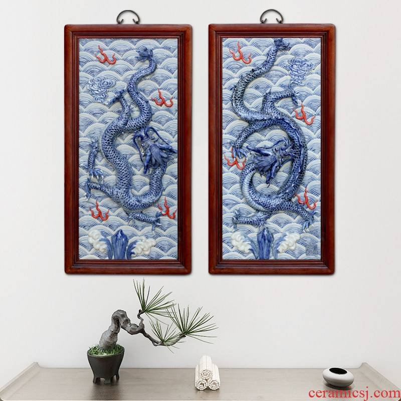 Jingdezhen anaglyph five dragon ceramics by blue and white porcelain plate paintings of Chinese style antique box sitting room mural decoration hangs a picture