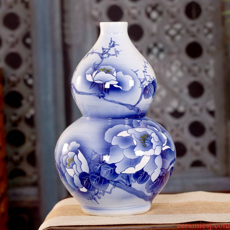 Jingdezhen ceramics vase antique blue and white peony gourd lucky wind water bottle and a sitting room of new Chinese style household furnishing articles