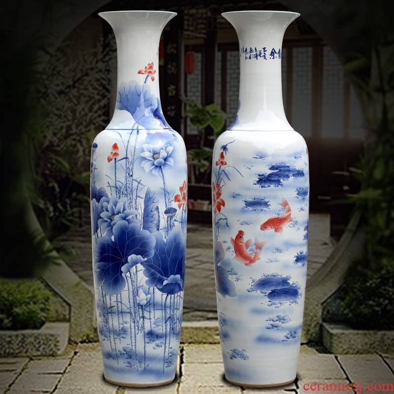 Jingdezhen blue and white porcelain hand - made sitting room adornment is placed more than the French vase company every year for the opening gifts