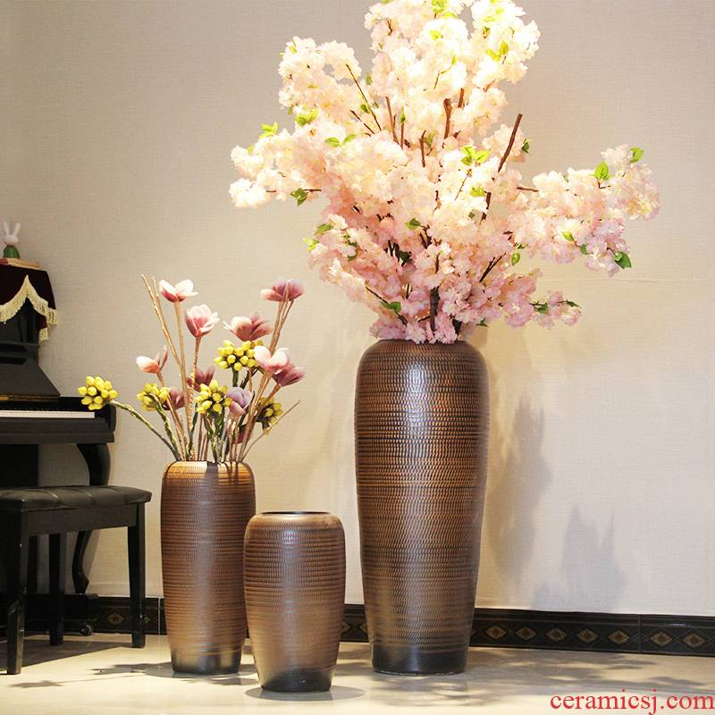 European clay sitting room of large ceramic vase household adornment flowers flower garden hotel coarse pottery furnishing articles