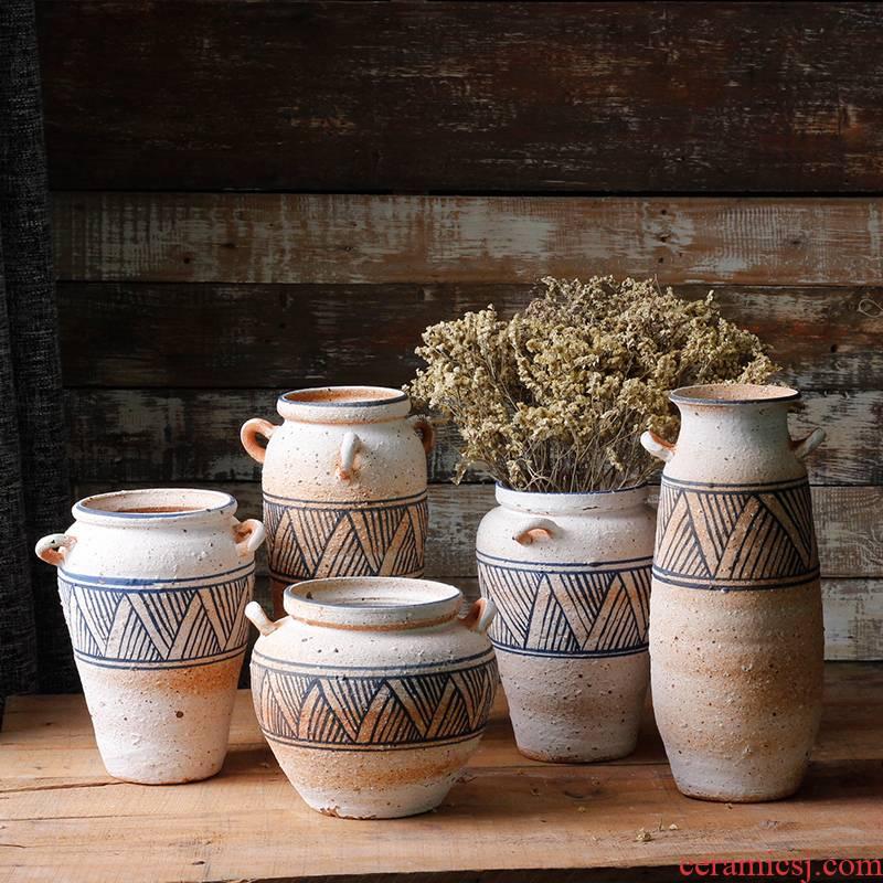 Checking coarse TaoHua hand - made earthenware vase crafts