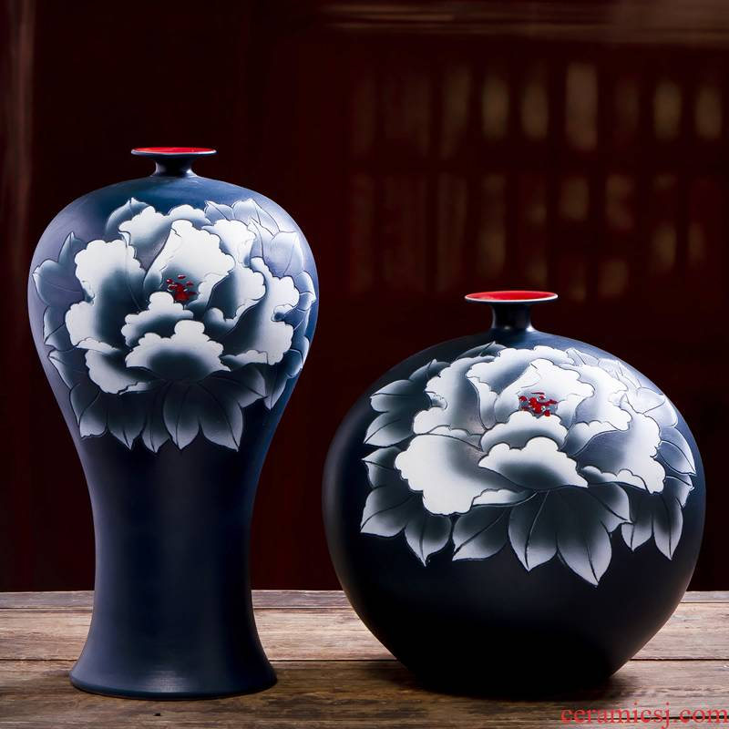 Jingdezhen ceramic vases, new Chinese style black hand made peony dried flowers flower arrangement sitting room adornment ornament household act the role ofing is tasted