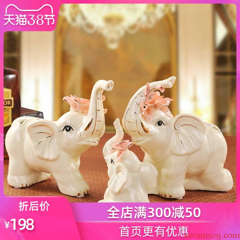 The Sequence of the strong ceramic furnishing articles of jingdezhen porcelain handicraft decoration in living in adornment see colour warm like a family of three love