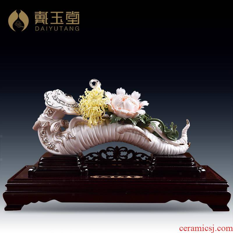 Yutang dai ceramic flower furnishing articles home sitting room TV ark, wine porch is decorated handicraft/peace