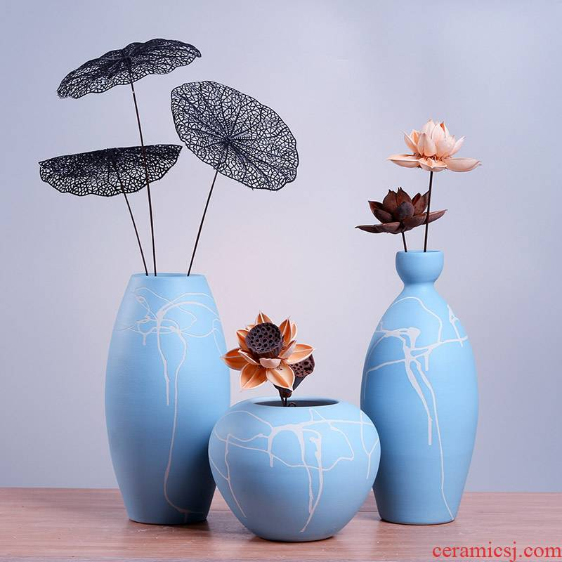 Jingdezhen modern Chinese ceramic vase lines in the sitting room TV ark, contracted creative arts and crafts decorative furnishing articles
