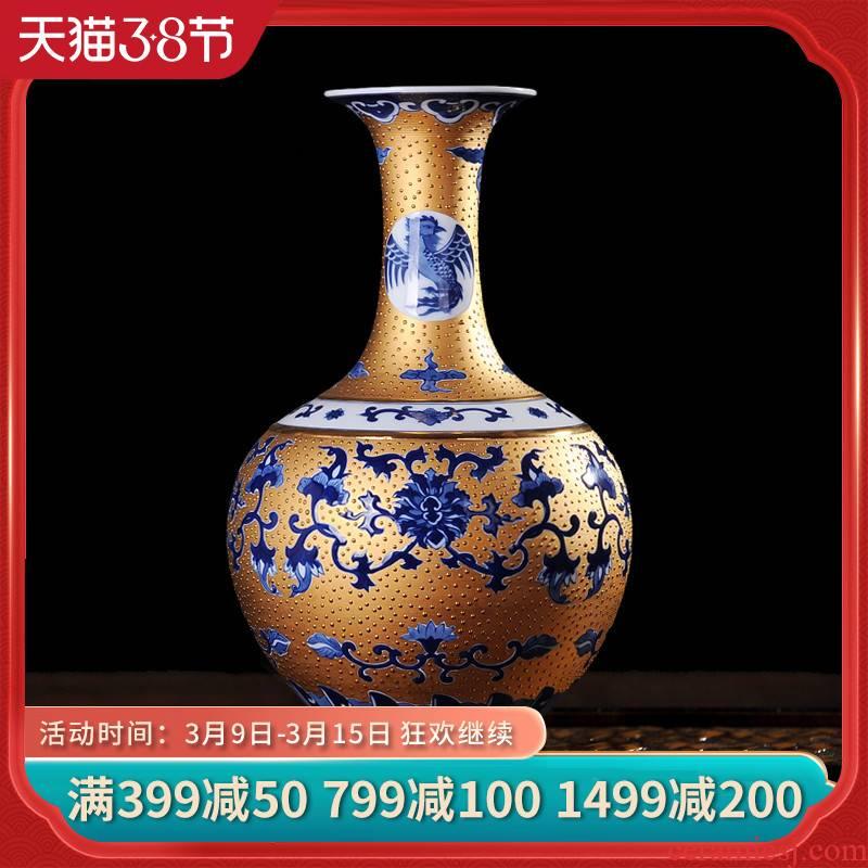 Jingdezhen ceramics gold sweet design of blue and white porcelain vase modern fashion decoration crafts are sitting room