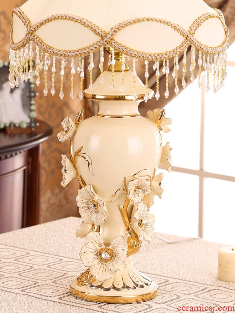 Bedroom adornment furnishing articles sweet romantic move practical European sitting room creative home decoration ceramic lamp