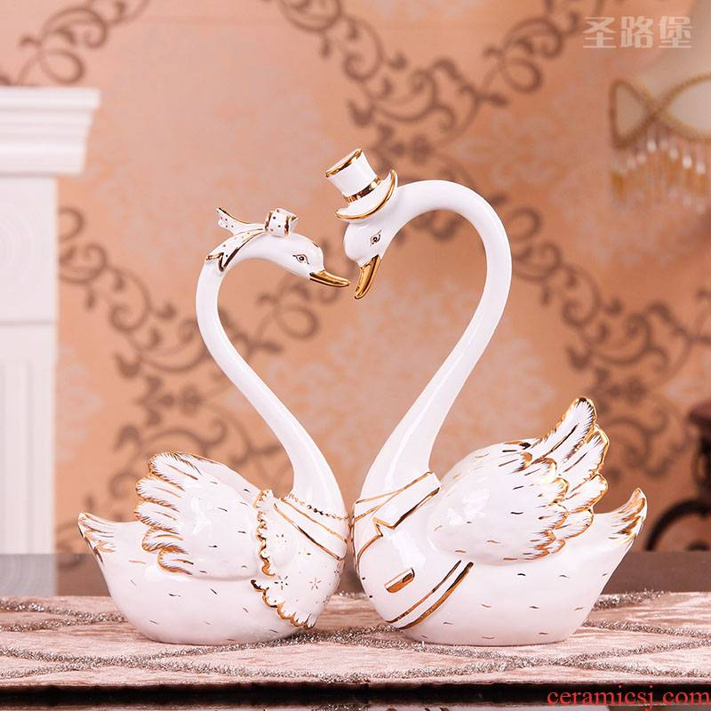 Swan is placed a sitting room romantic ideas home decoration ceramic wedding gift girlfriends wedding gift