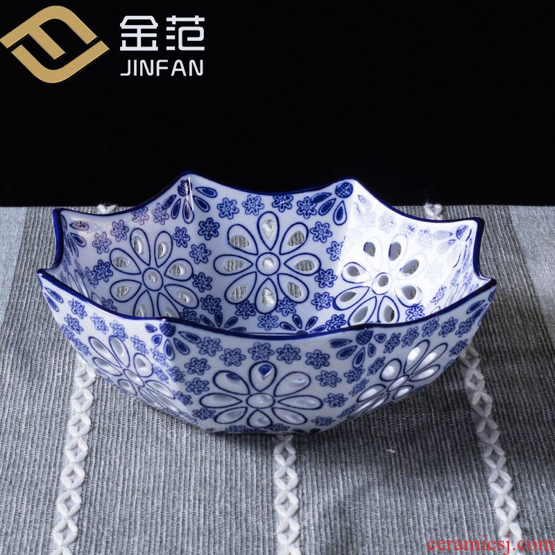 Sitting room ceramic fruit bowl large fruit basin creative star hollow out of the blue and white porcelain plate of fruit snacks decorative plate