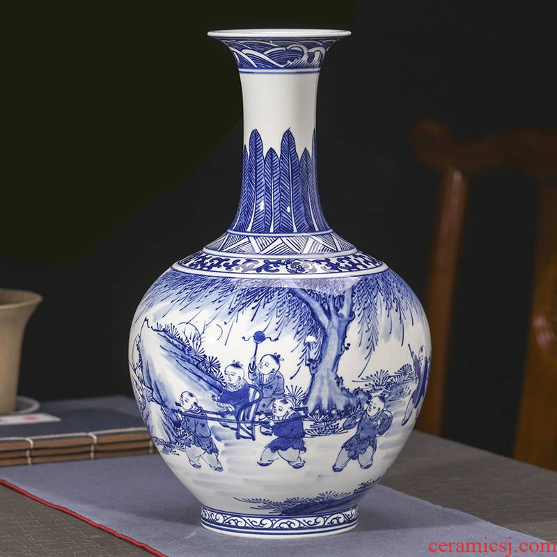 Jingdezhen ceramics hand - made antique blue and white porcelain vase furnishing articles sitting room flower arranging Chinese style household decorative arts and crafts