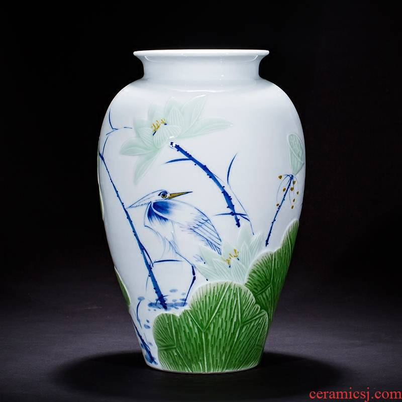Jingdezhen ceramics, vases, flower arrangement by hand carved sitting room porch decoration of new Chinese style household furnishing articles