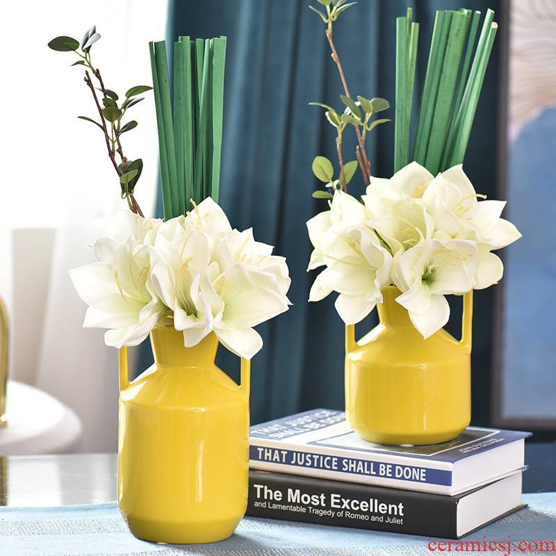 Light the key-2 luxury of floral suit sample decoration ceramic vases, flower arranging is placed between the sitting room TV ark, wine accessories