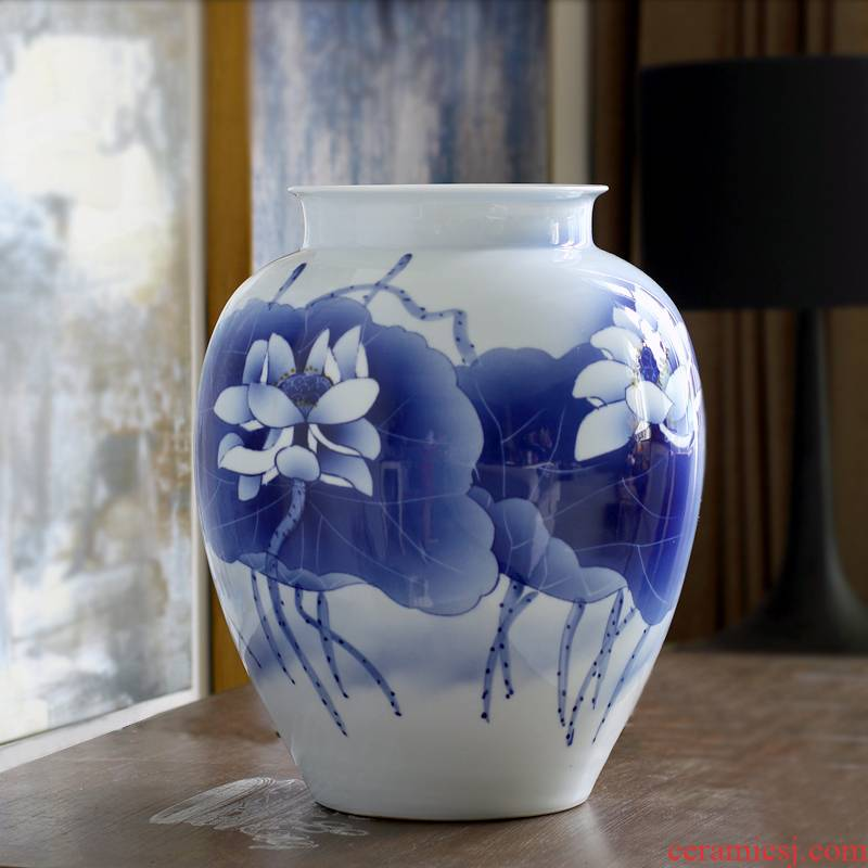 Hand made lotus large blue and white porcelain vase, jingdezhen ceramic furnishing articles, the sitting room is the study of new Chinese style antique porcelain desktop