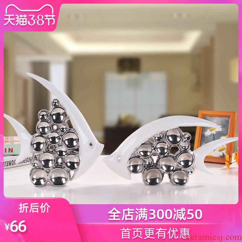 Ceramic arts and crafts of Europe type TV ark, creative sitting room place wedding gifts household act the role ofing is tasted silver mercifully fish