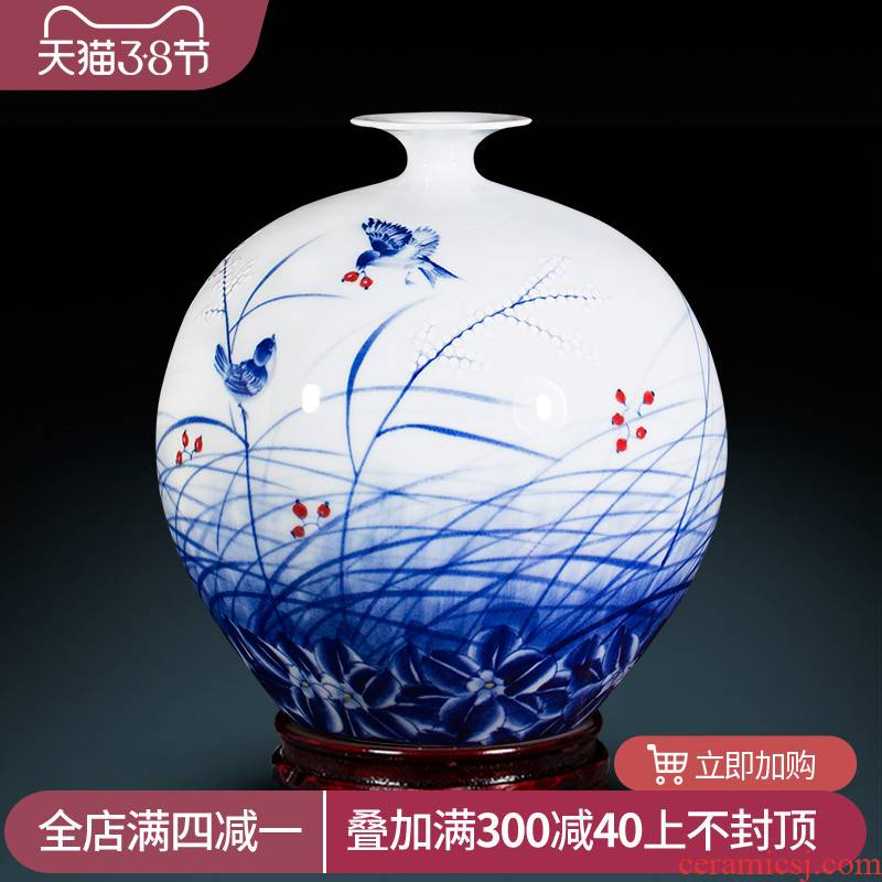 Jingdezhen ceramic pomegranate hand blue and white porcelain vases, flower arrangement sitting room place Chinese master home porch decoration