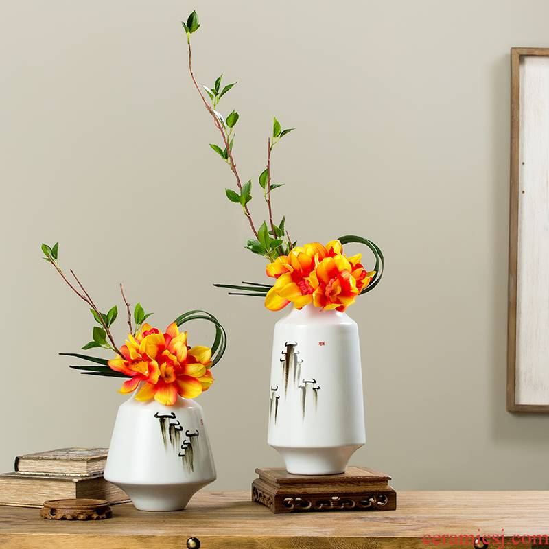Creative new Chinese style home sitting room adornment ceramic vase is placed a large indoor flower arranging single flower art suits for