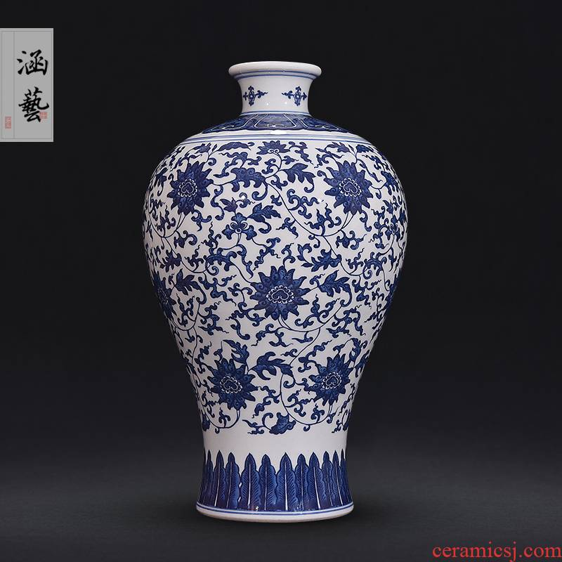 Hand - made antique blue and white porcelain of jingdezhen ceramics name plum bottle of flower arranging the sitting room of Chinese style decoration gifts TV ark, furnishing articles