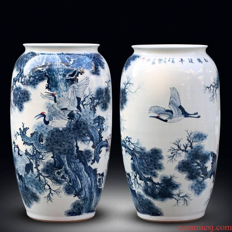 Jingdezhen ceramics hand - made large blue and white porcelain vase pine crane, live home sitting room adornment furnishing articles