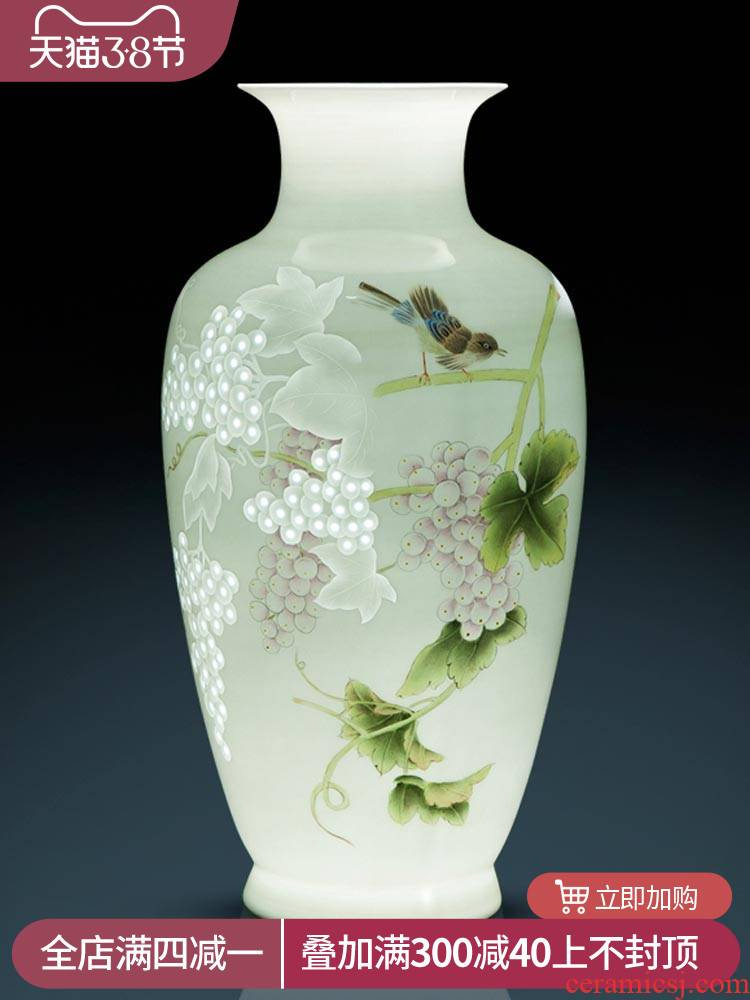 The Master of jingdezhen ceramics by hand hand knife clay vase of new Chinese rich ancient frame sitting room adornment is placed