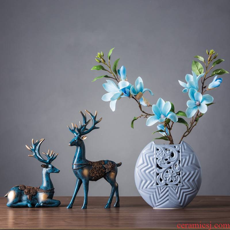 The Nordic style household act The role ofing is tasted wine sitting room adornment is placed on The creative move ceramic decoration is contracted and I