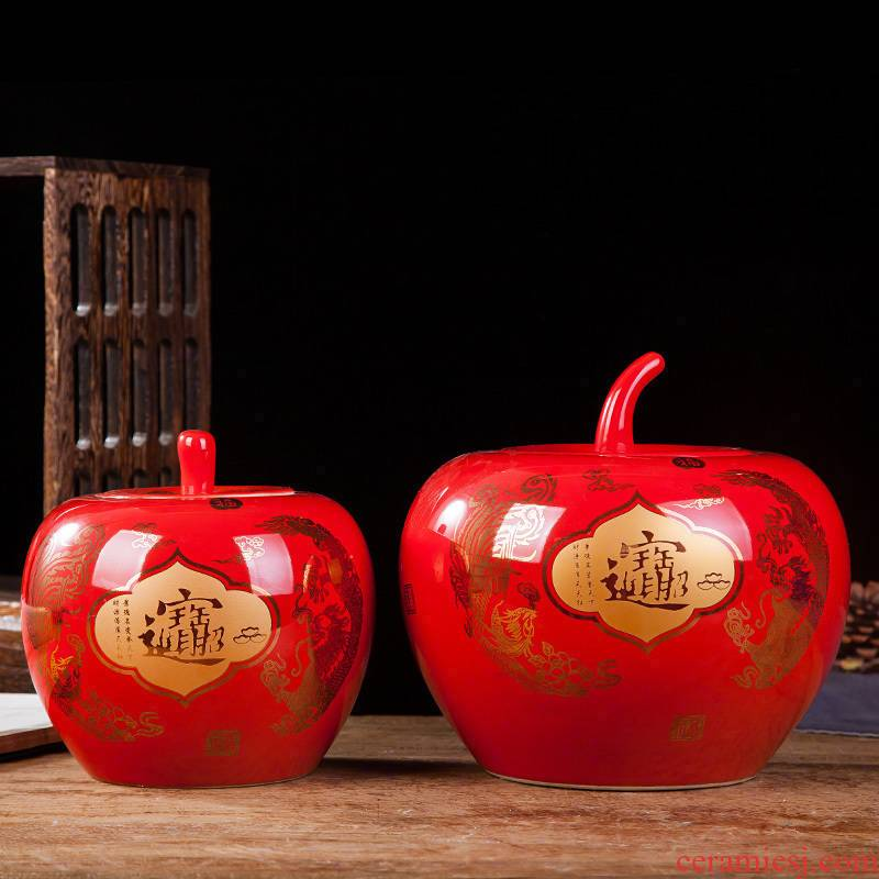Jingdezhen ceramics furnishing articles a thriving business Chinese red apple vases, modern Chinese style household decorations