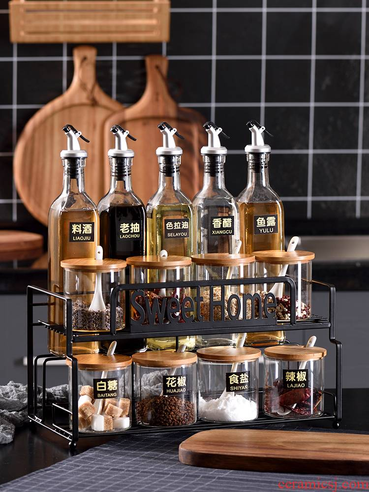 Japanese kitchen condiment boxed set domestic oil, combined with domestic double ceramic salt shaker bottles spice seasoning as cans