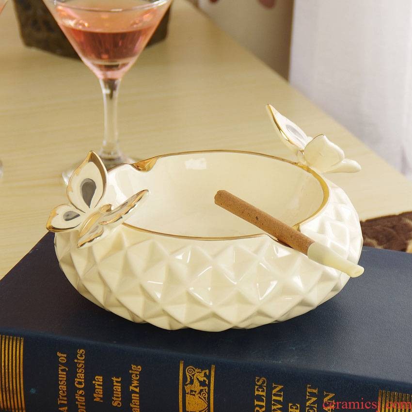European butterfly ceramic ashtray sitting room adornment ashtray furnishing articles creative birthday gift bag in the mail