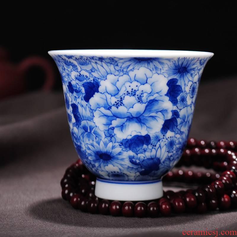 The Owl up jingdezhen classical blue - and - white ceramics individual sample tea cup tea hand - made kung fu tea flowers design