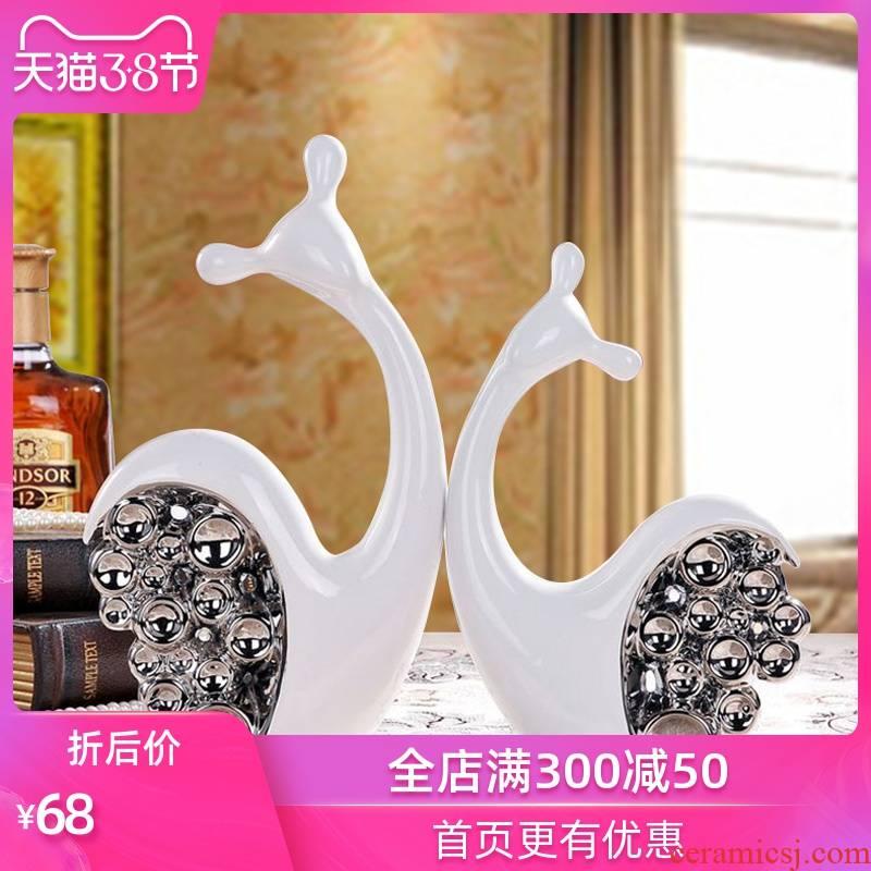 Jingdezhen creative wedding gifts home decoration ceramic handicraft furnishing articles TV ark, electroplating circle snails