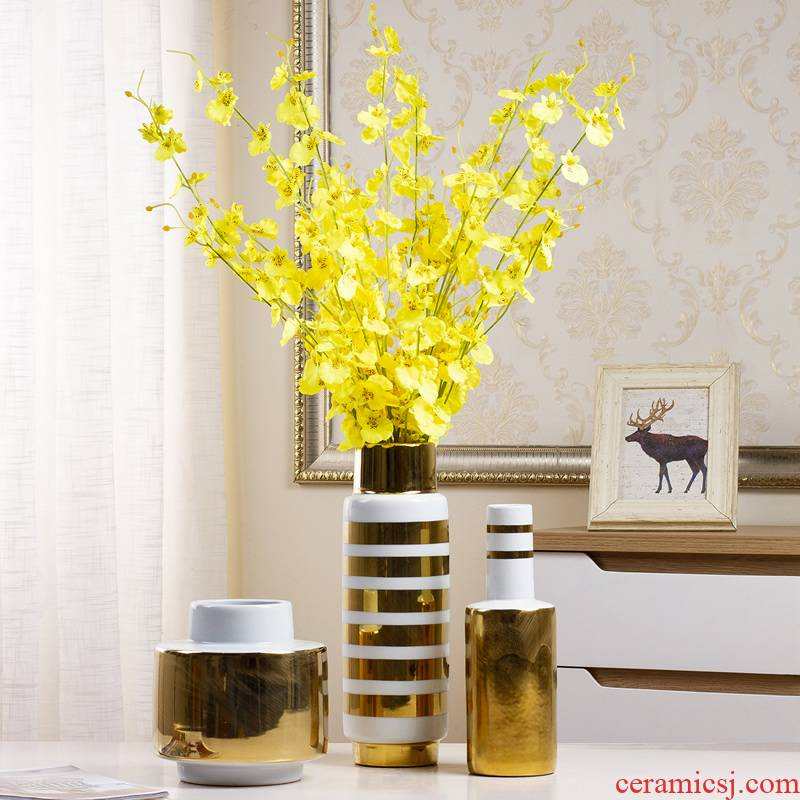Creative light European - style key-2 luxury high - grade ceramic vase flower arranging dried flowers sitting room table, TV ark, soft adornment is placed