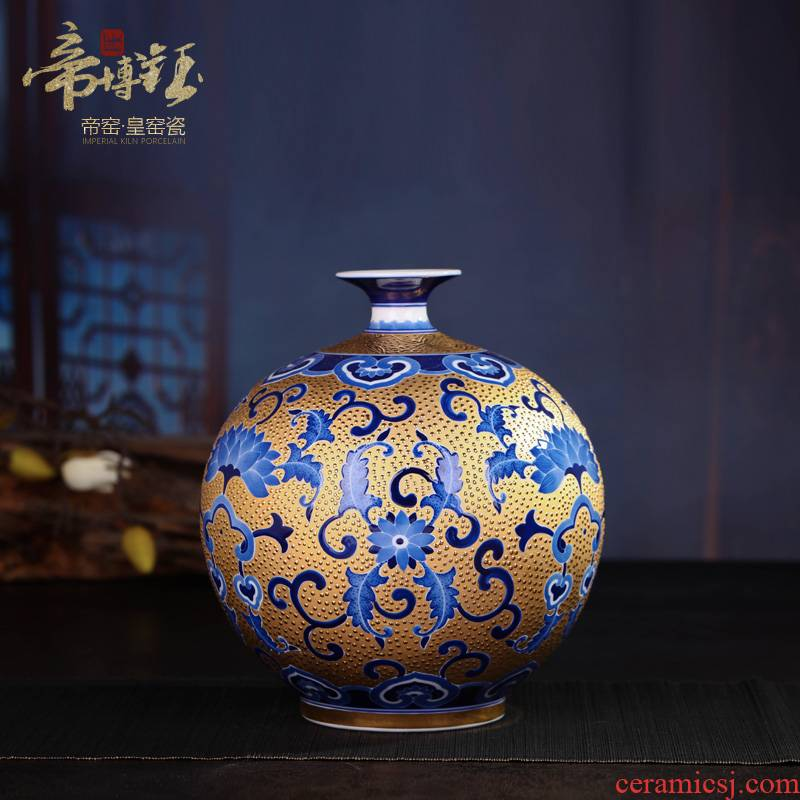 Jingdezhen ceramic hand - made gold wrapped branch lotus celestial vases, Chinese arts and crafts porcelain sitting room adornment is placed