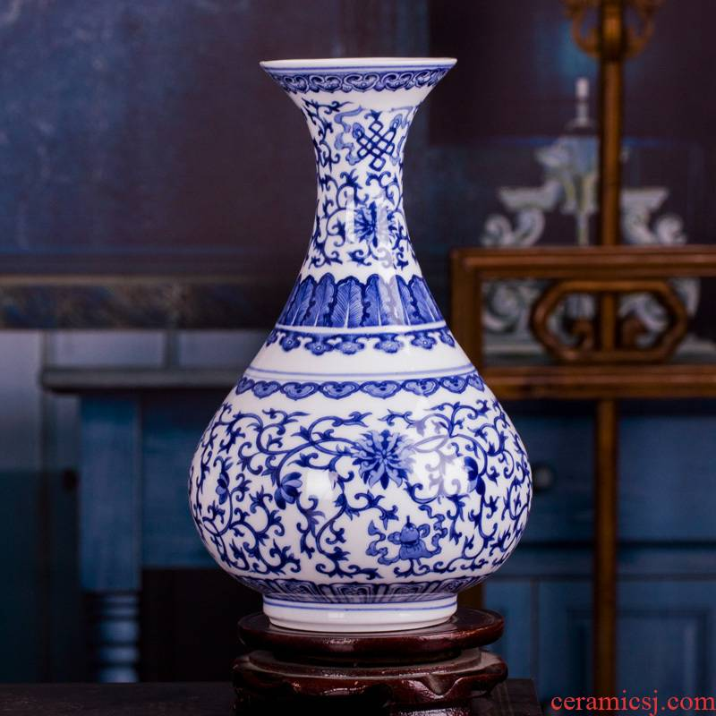 Jingdezhen blue and white ceramic vase furnishing articles restoring ancient ways is the sitting room adornment creative flower arranging flowers, rich ancient frame decoration