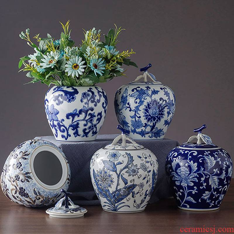 Jingdezhen ceramic POTS wedding gift decoration office desktop blue and white porcelain decoration household creative furnishing articles