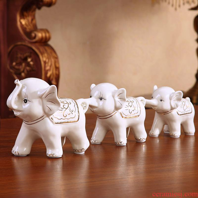 Auspicious sambo lucky elephant furnishing articles and sitting room ark adornment creative I household ceramics knick - knacks shelf